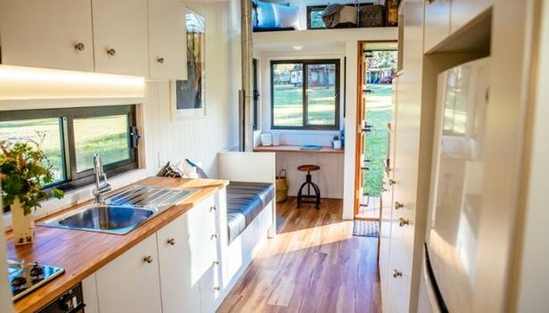 designer-eco-kitchen700x400